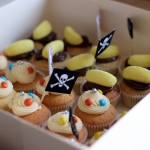 Cupcakes anniversaire thème Pirates drapeau Pirates