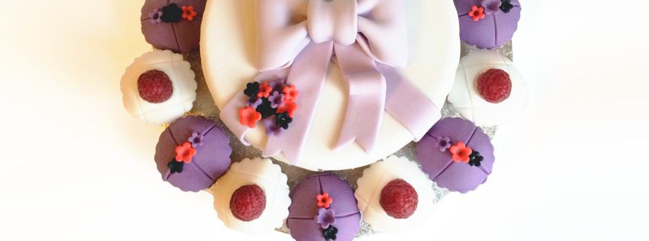 Gâteau Noeud & Fleurs
