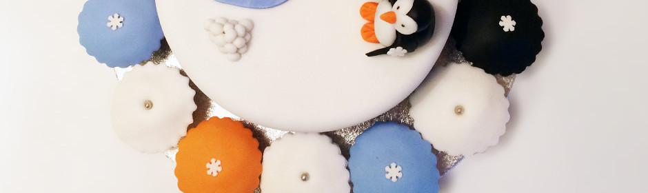 Un gâteau pingouin sur la banquise