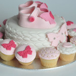 Baby shower cake chaussons fille (18)b