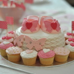 Baby shower cake chaussons fille (23)b