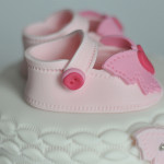 Baby shower cake chaussons fille (5)b